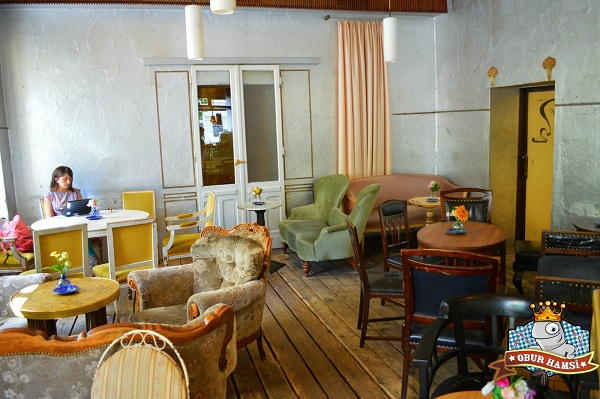 Wohnzimmer: Berlin'de En Huzurlu Kafe Neresidir?