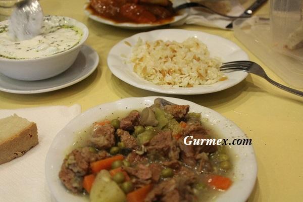 Bozcaada'da ucuz yemek nerede yenir Güveç Lokantası