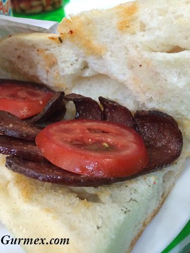 Çengelköy Kokoreç sucuk ekmek