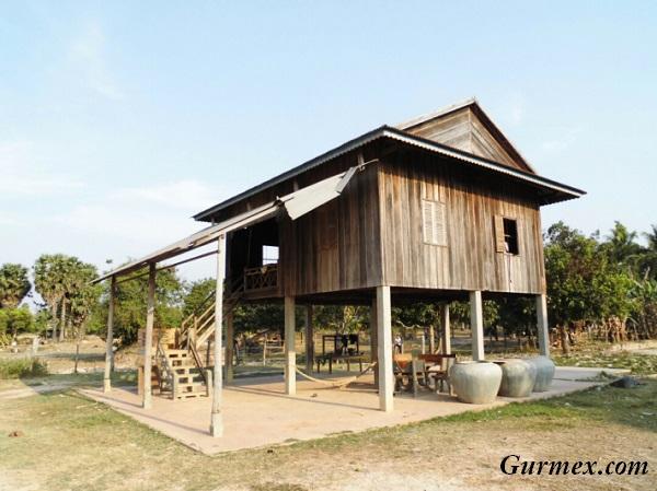 Kamboçya tipik evler