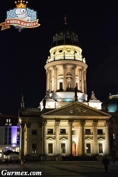 Berlin Yeme İçme,Deutsche Dom nerede