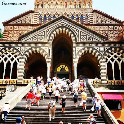 Amalfi Kıyıları, Piazza Del Duomo