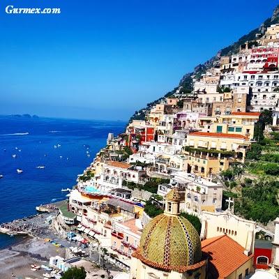 Amalfi Kıyıları yeme içme, atrani Piazza Umberto