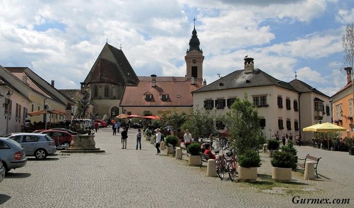 Rust Yeme İçme Rehberi: Avusturya Gurme Notları