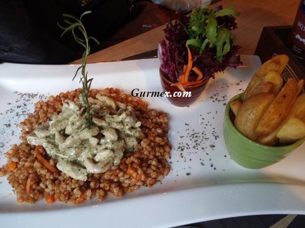 Buğdaylı Piliç Pesto