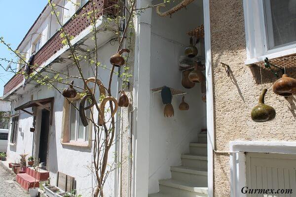 Bozcaada Gezilecek Yerler bozcaada evleri