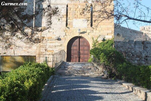 Bozcaada Kalesi tarihçesi