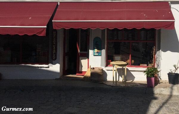 Bozcaada Gezilecek Yerler bozcaada sahaf kitapçı kütüphane