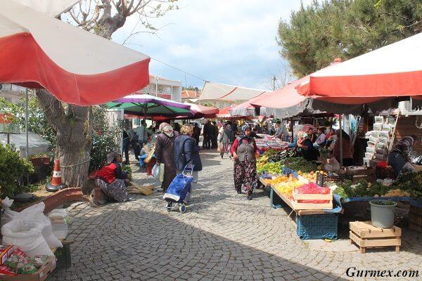Bozcaada Gezilecek Yerler pazar