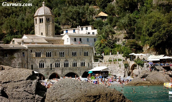 san-fruttuoso-manastiri-portofino-nerede-nasil-gidilir-ne-yenir-nerede-yuzulur Portofino