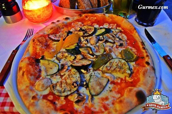berlin-de-en-iyi-pizza-nerede-yenir-gurme-restoran-lezzet-yemek-kulturu