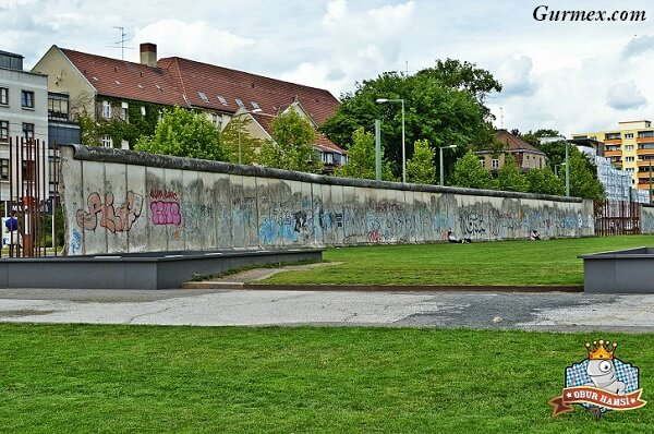 Berlin Duvarı wall memorial