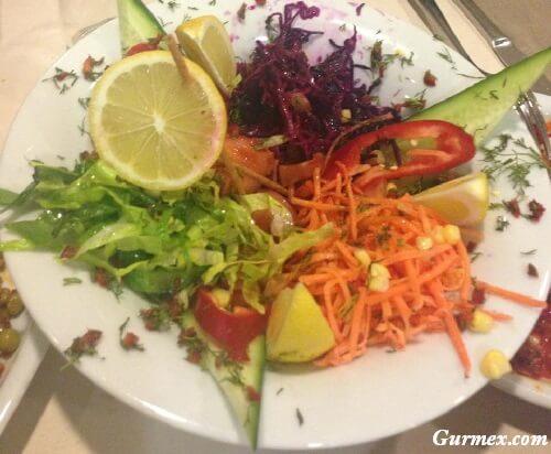 erzincan-in-en-iyi-salata-vejeteryan-mekanlari-kahvalti-salonlari-lezzet-duraklari