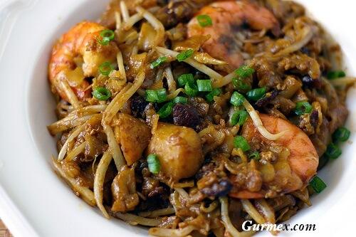 kway teow-singapur-yemekleri-mutfagi-gurme-rehberi