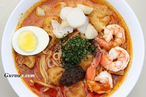 Singapur'da ne yenir laksa-singapur-mutfagi-lezzet-turu-rehberi-nerede-yenir