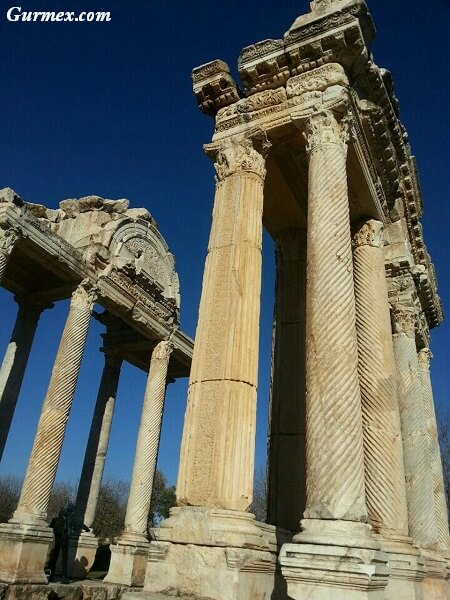 Aydın gezilecek yerler,Aphrodisias-afrodisias-aydin-nerede-nasil-gidilir-giris-ziyaret-saatleri-ucretleri-ne-yapilir-gezi-seyahat-rehberi