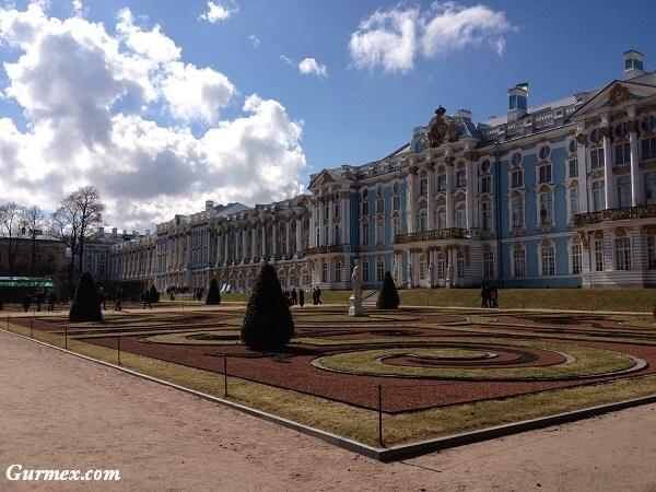 hermitage-muzesi-petersburg-nerede-nasil-gidilir-giris-ziyaret-saatleri-ucretleri-rusya