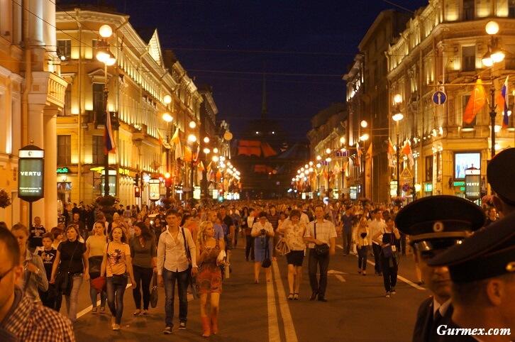 petersburg-Nevski-Prospect-caddesi-nerede-ne-yapilir-ne-yenir