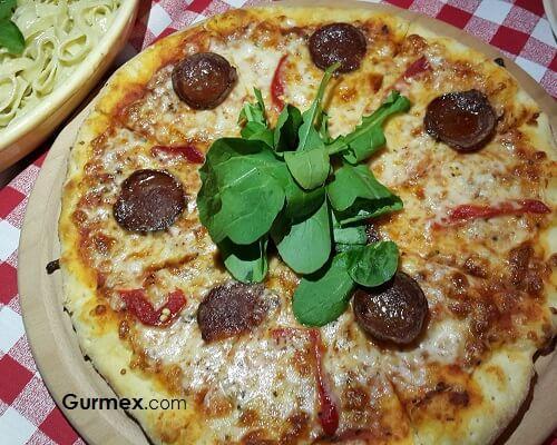 Bozcaada'da pizzacılar e la pizza
