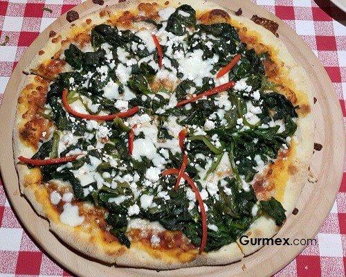 Bozcaada'da pizza mekanları