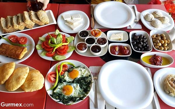 Bozcaada'da kahvaltı yapılacak yerler
