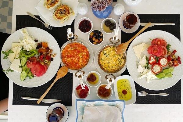 Bozcaada'da kahvaltı nerede edilir Bozcaada yeme içme