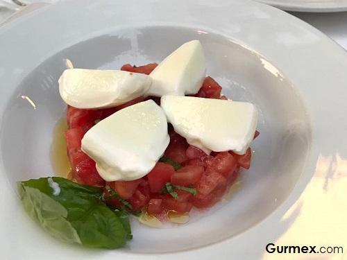 Selçuk Restaurant,Manda mozarella