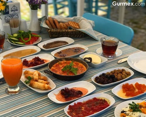 Bozcaada'da Kahvaltı tavsiye Adamarin Otel
