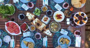 Bozcaada'da Kahvaltı