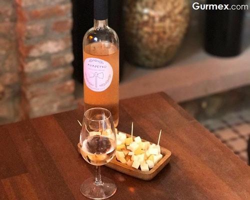 Bozcaada'da şarap nerede içilir