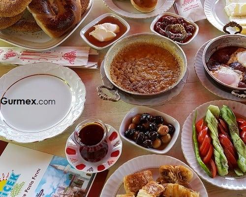 Bozcaada kahvaltı yerleri Bozcaada'da Kahvaltı Çiçek Pastanesi