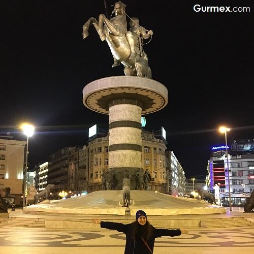 Üsküp'te iskender heykeli Makedonya meydanı