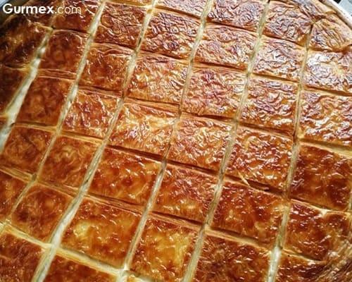 Baklava yufkasından börek Peşrevzade