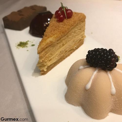 Rus medovik batı mutfağı tatlıları Zeferan Restaurant