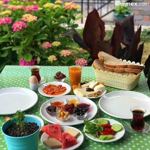 Gökçeada'da kahvaltı nerede yapılır