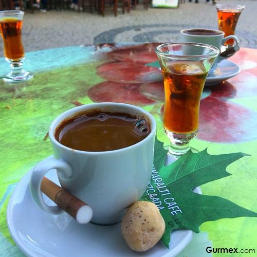 Bozcaada damla sakızlı Türk kahvesi