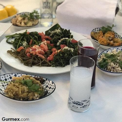 Cunda rakı balık Boncuk Restaurant