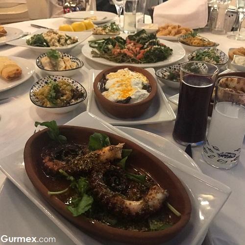 Cunda'da ahtapot ızgara nerede yenir Boncuk Restaurant