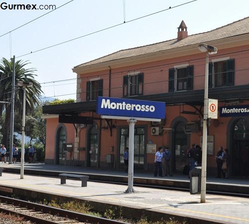 Cinque Terre Monterosso tren istasyonu