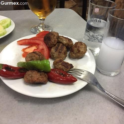 Bursa köftesi Emek Lokantası