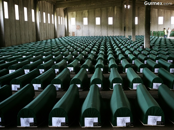 Srebrenitsa Katliamı