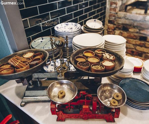 Sade Beş Denizler Mutfağı İstanbul