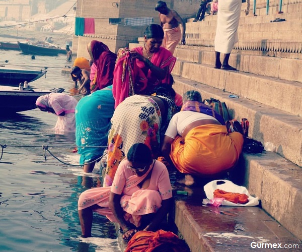 Çamaşır yıkama Ganj Varanasi