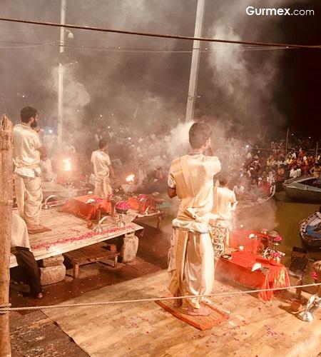 Ganga Aaarti Tören Varanasi