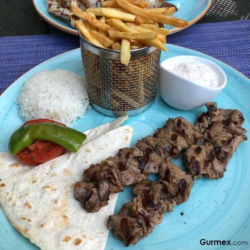 Şaşlık Azzur Restaurant Mövenpick Hotel