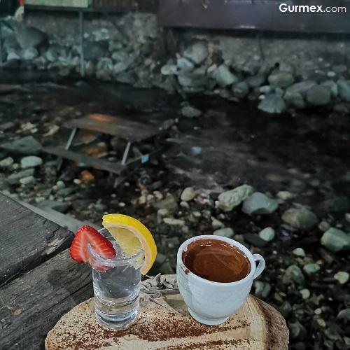 Türk kahvesi Dostlar Restaurant