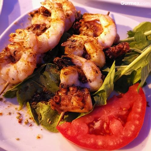 Deniz mahsulleri ızgara şiş As Restaurant