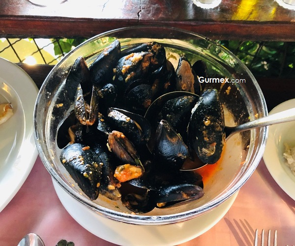 Domates Soslu Midye Porto Restaurant
